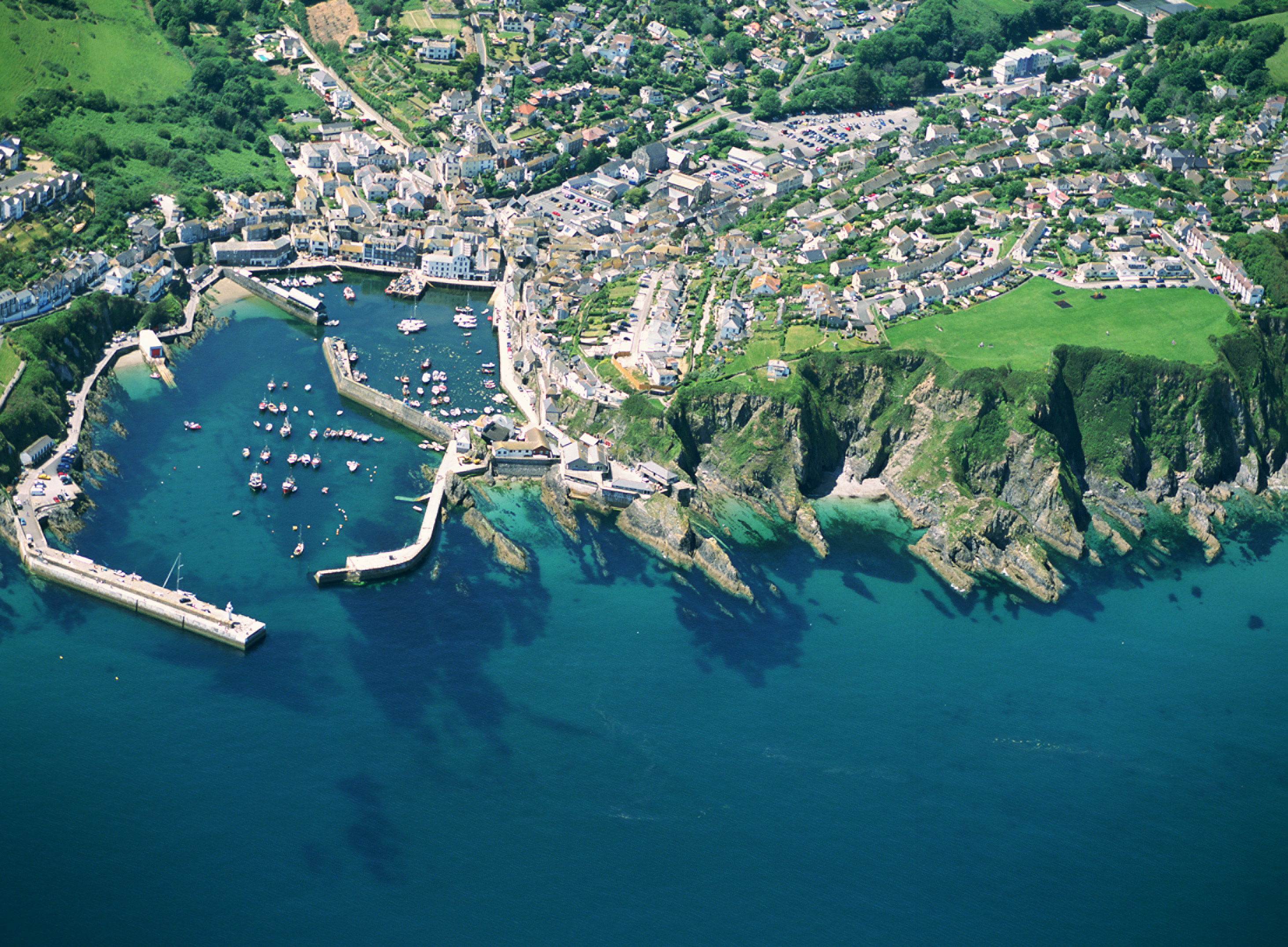 The South Cornwall Coast An Essential Guide