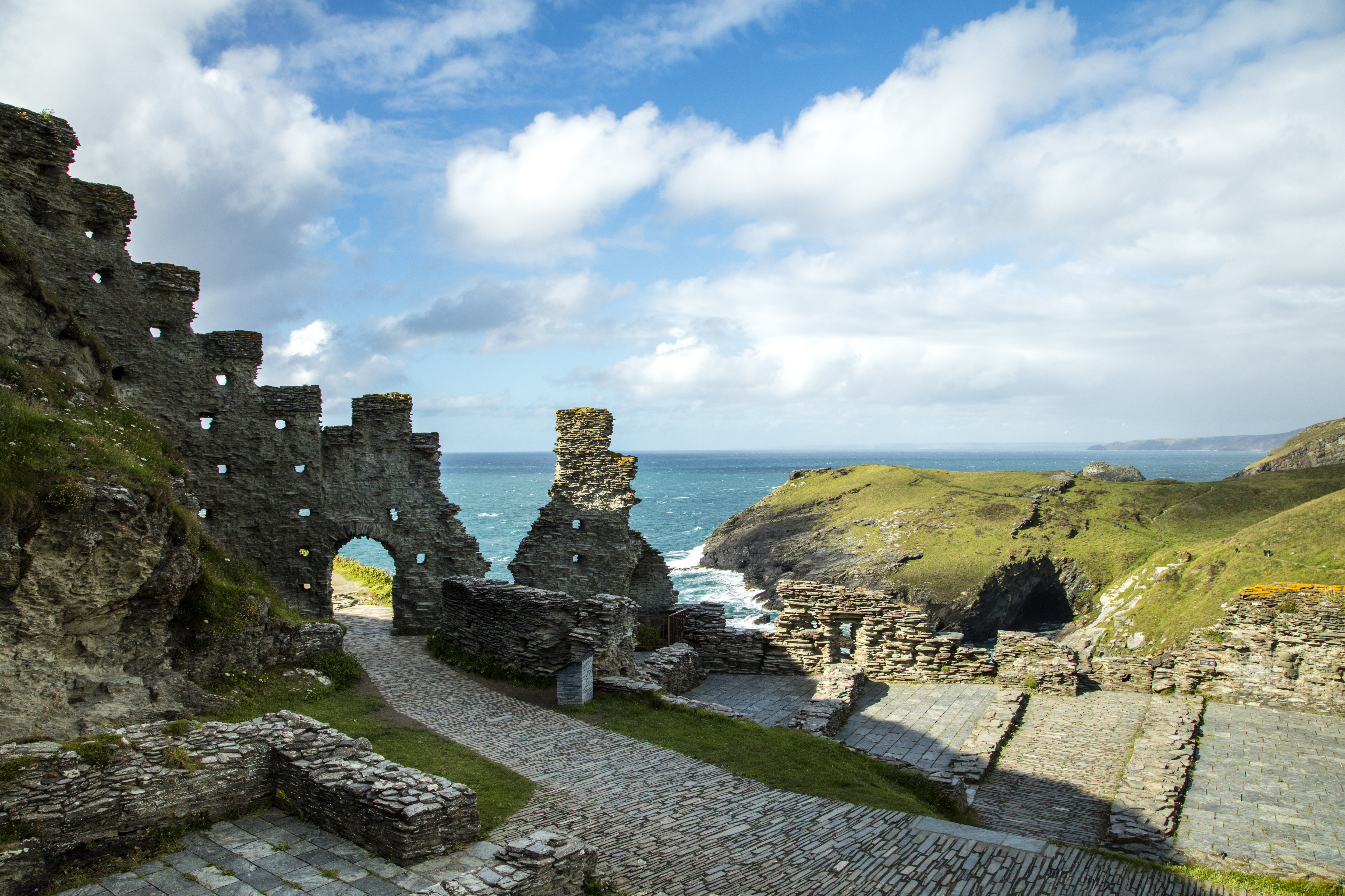 Tintagel North Cornwall An Essential Guide