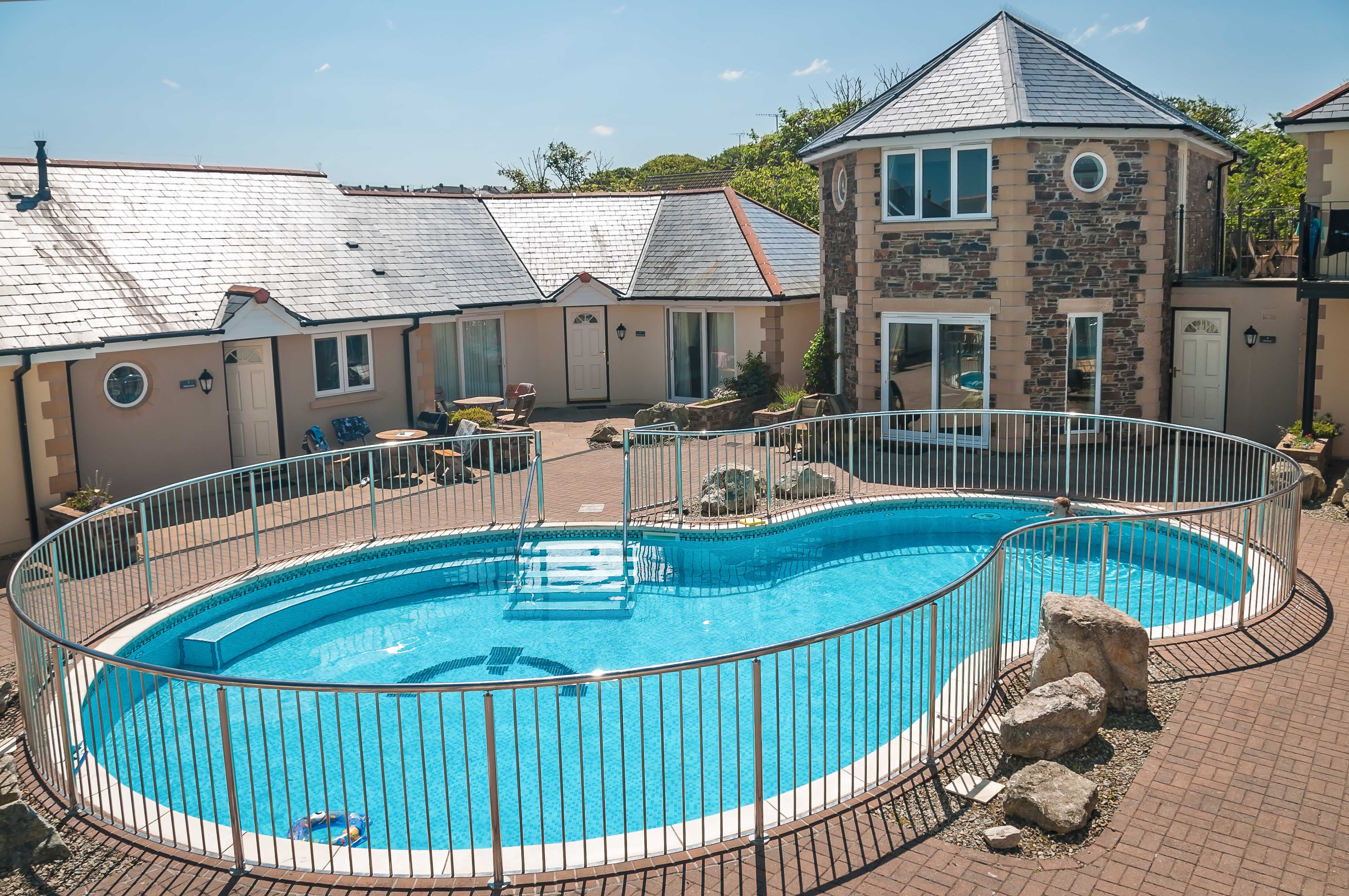 Porth veor villas apartments for Hotels with swimming pools in cornwall