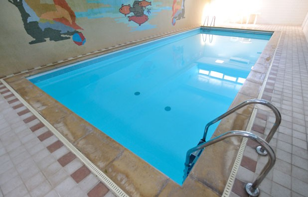 Hotel bristol Hotels near bristol with swimming pool