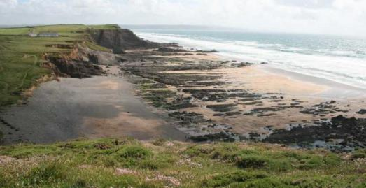 Beaches in Bude Cornwall | Northcott Mouth Beach c Jess Brown