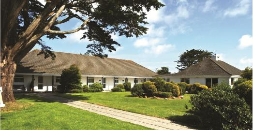 Tzitzikama Lodge B&B | Rock | Cornwall