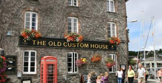 The Old Custom House Inn