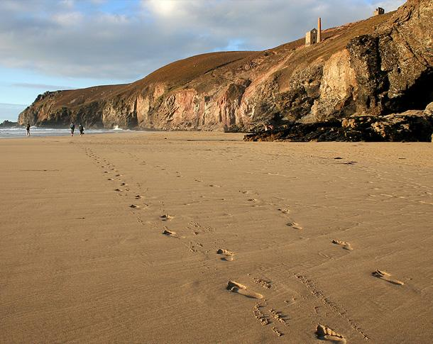 Chapel Porth Beach, St Agnes [c] Barry Gamble