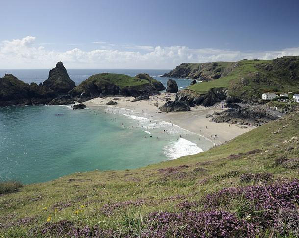 Kynance Cove (c) NTPL, Ross Hoddinott