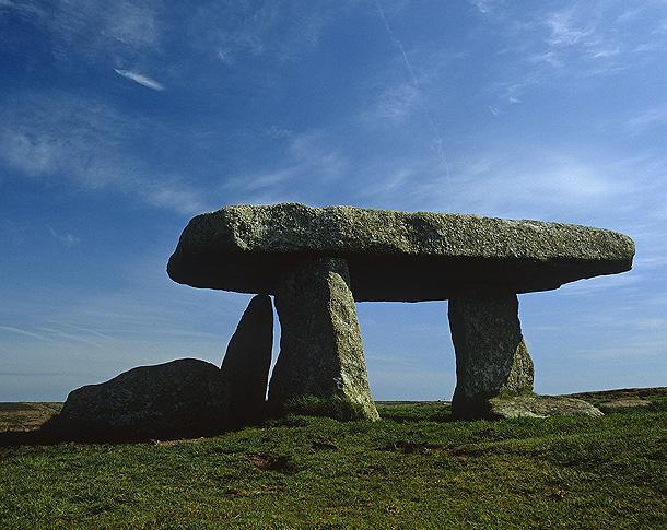 Lanyon Quoit [c] NTPL Joe Cornish