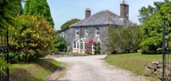 Self Catering on the Lizard Peninsula, Visit Cornwall, accommodation