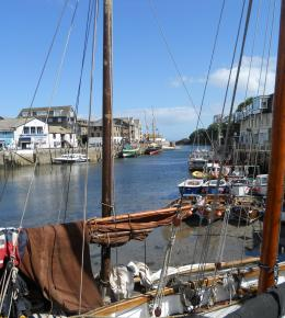 Looe Harbour - Book a week at Polraen Country House B&B
