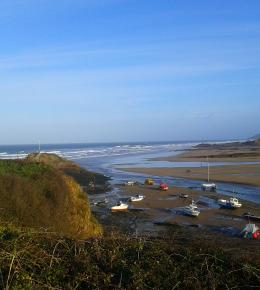 Overlook Bude Bay and enjoy an al fresco breakfast