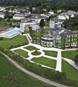 Luxury Carlyon Bay Hotel spectacularly situated overlooking St Austell Bay