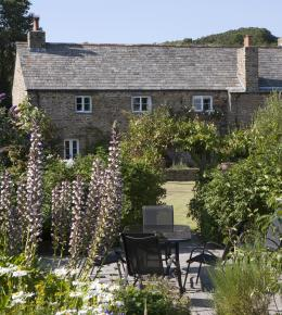 The Long Hous, a self-catering holiday cottage in St Kew, North Cornwall
