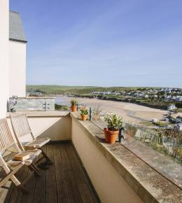Vinnick Rock, a self-catering holiday home in Polzeath, North Cornwall