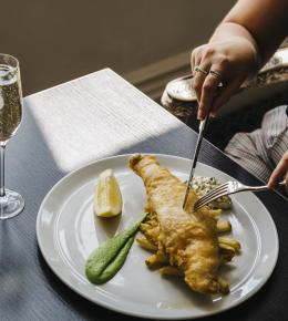 fizz-and-chips-at-the-alverton-hotel-truro-cornwall