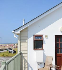 Beach Walk, holiday flat in Perranporth, Cornwall