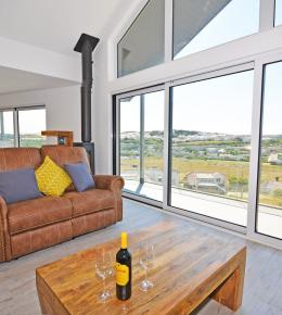 The View, sea view holiday home in Cornwall