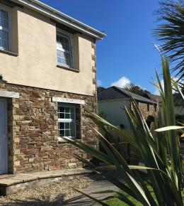 The Beach House - self catering in Perranporth