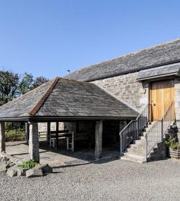 Stunning barn for 6 in North Cornwall