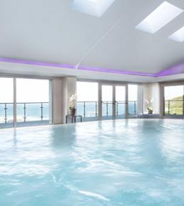 Hydropool at Bedruthan Hotel and Spa overlooking the ocean