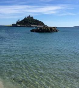 Seabreeze Cottage is located on stunning Mounts Bay