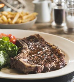 Steak and Claret suppers at The Cornish Arms