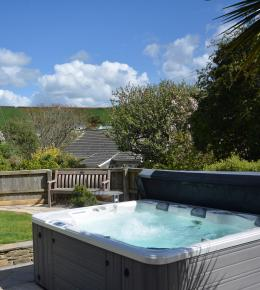 Crowjy Kernewek - holiday cottage in Perranporth