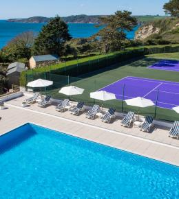 Heated Outdoor Pool & Tennis Courts