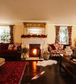 The lounge at Rockhaven Manor, a self-catering holiday home in Rock, North Cornwall