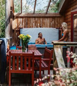 rosehill lodges hot tub