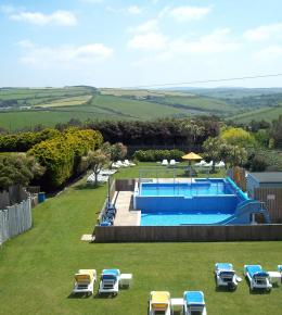 summer family holidays cornwall