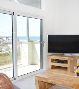 The View, sea view holiday home in Perranporth