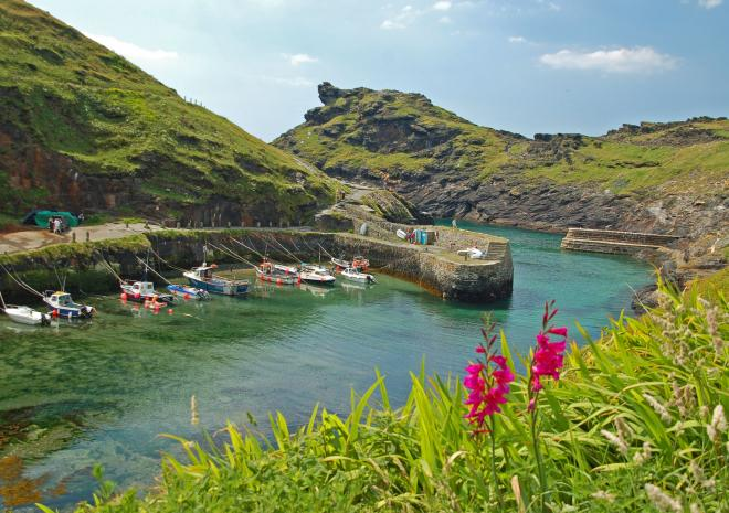 Boscastle, North Cornwall c Shutterstock