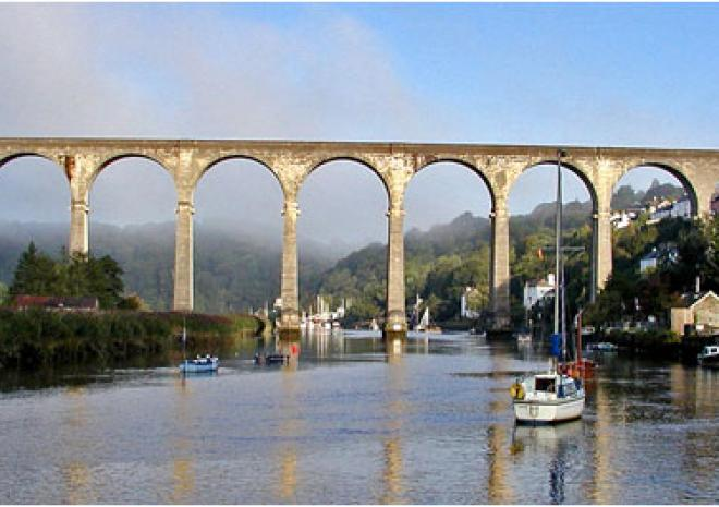 Calstock Viaduct, Tamar Valley, Cornwall c TAVTA