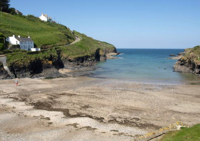Beaches in Cornwall | Port Gaverne | Port Isaac