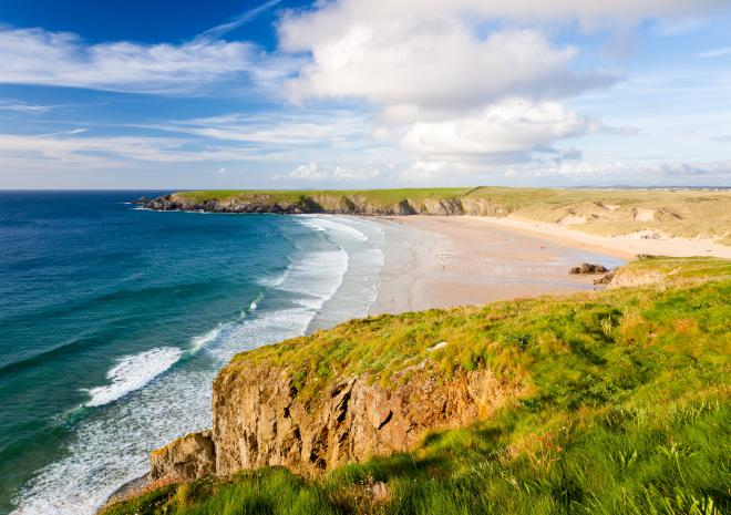 Holywell Bay, North Cornwall c Shutterstock