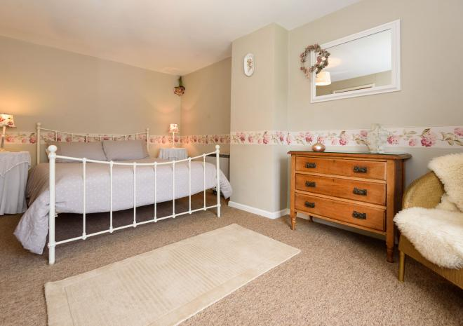 Buller Cottage Double Bedroom