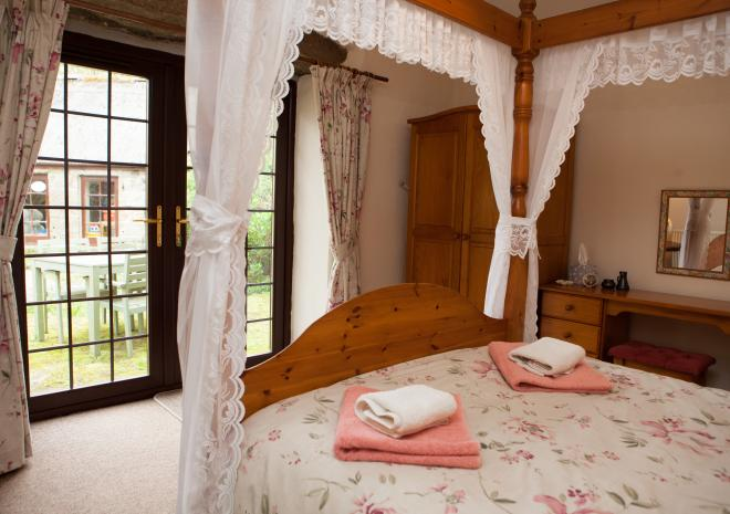 Long Barn main bed, Tregathenan, West Cornwall