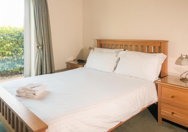 Double bedroom, Self Catering in Cornwall, Porth Veor Villas and Apartments, Newquay, Cornwall