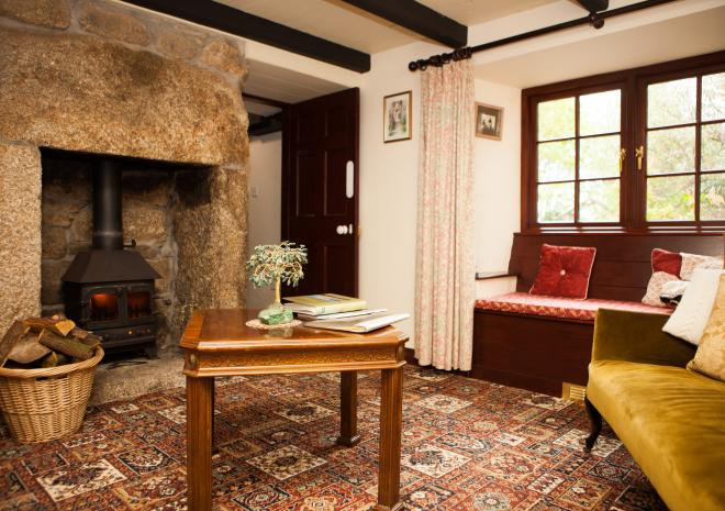 The Snug, Tregathenan House, Helston, West Cornwall