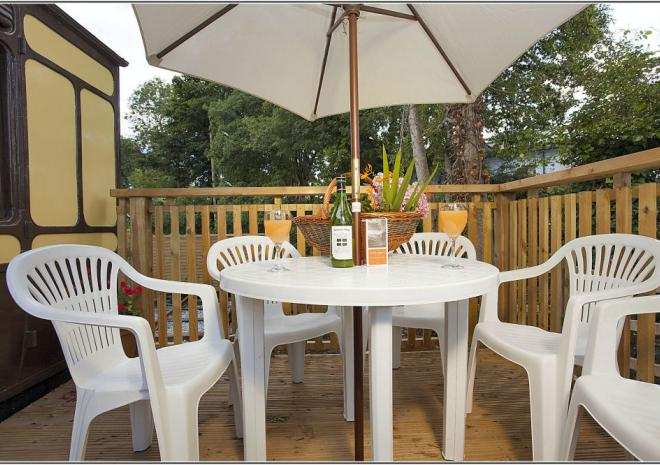 Mevy has a sun deck, perfect for long summer evenings.