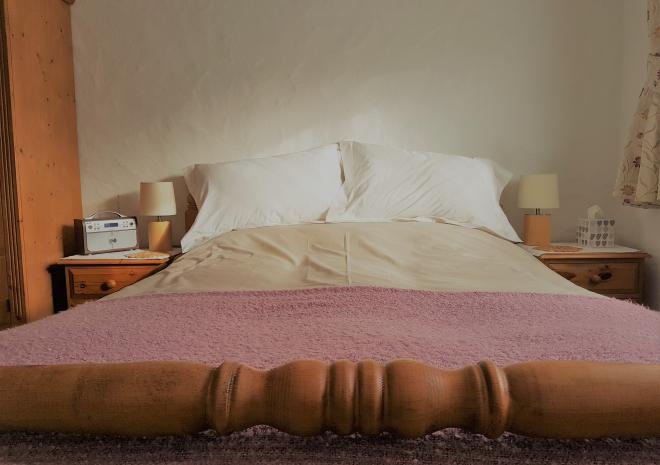 Old Basset Cottage offers lovely self-catering holiday accommodation near Porthtowan in North Cornwall - Master bedroom 2
