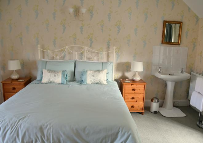 Cottages in Cornwall   Lanwithan Cottages   Farmhouse    Lostwithiel