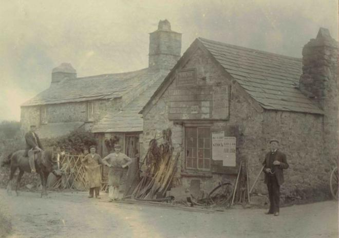 Redgate Smithy as it was back around 1910 - a working smithy!