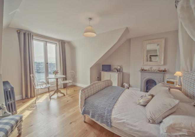 Retreat to Fowey, Apartment 2 Claremont House, Fowey