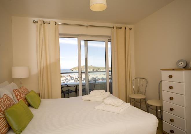 Beach Apartments Cornwall , Beach House , Porth , Newquay