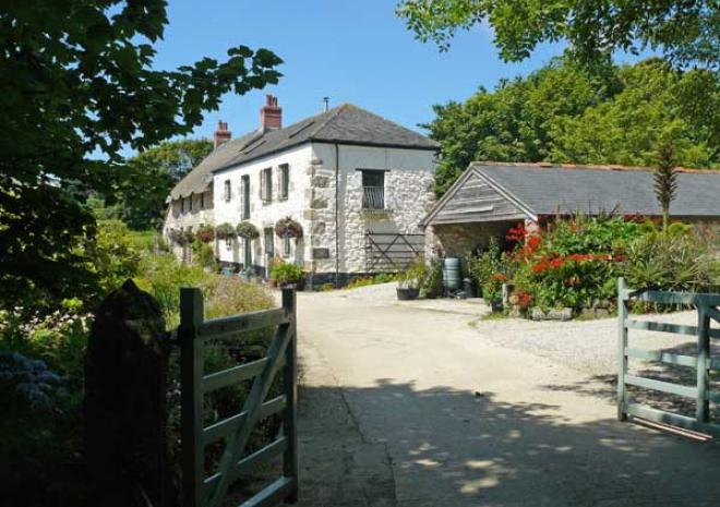 Boscrowan Farm , Cottages in Penzance Cornwall
