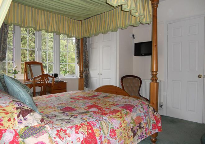 Bed and Breakfast Cornwall | The Elms Guest House | St Austell | Cornwall