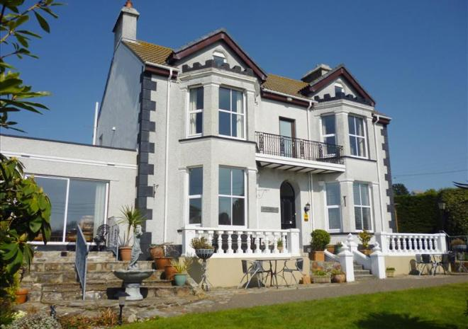 Bed and Breakfast in Cornwall , Elmswood House , Par , Fowey  St Austell , Cornwall