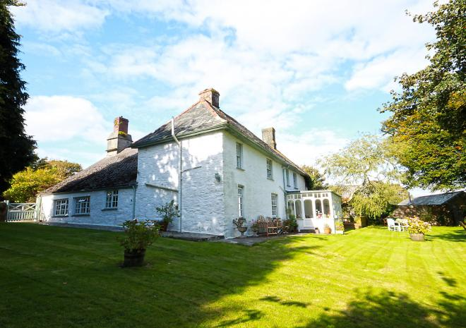 The farmhouse at Trenderway Farm, Bed and Breakfast, Looe, South Cornwall