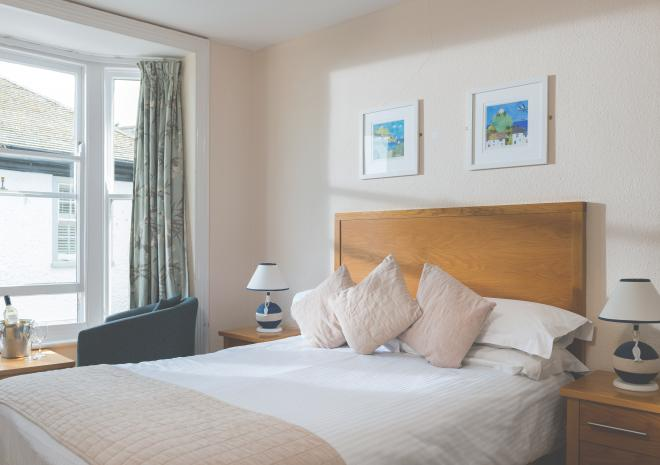 Bed and Breakfast in Cornwall | Ship Inn | Penzance | Cornwall