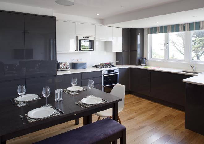 Falmouth self catering suites kitchen